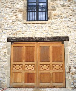 menusier-fabricant-huisserie-portes-de-garage-exterieures-francaise-rge-qualibat