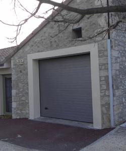 menuisier fabricant huisserie porte française pour garage en bois