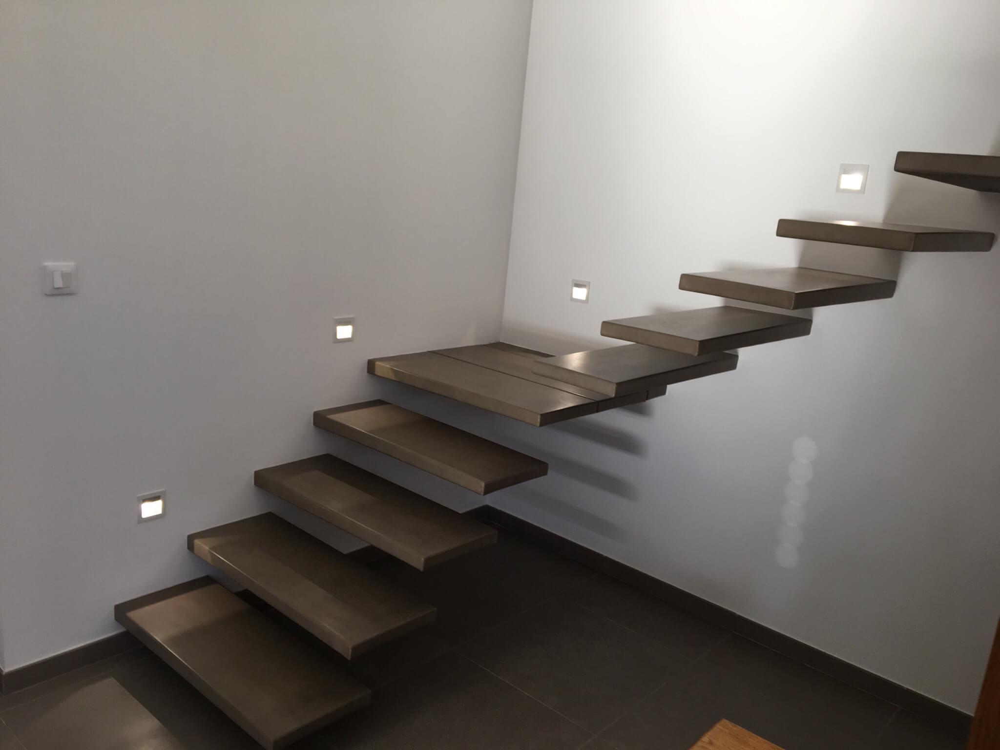 Escalier suspendu avec Angle Annonay