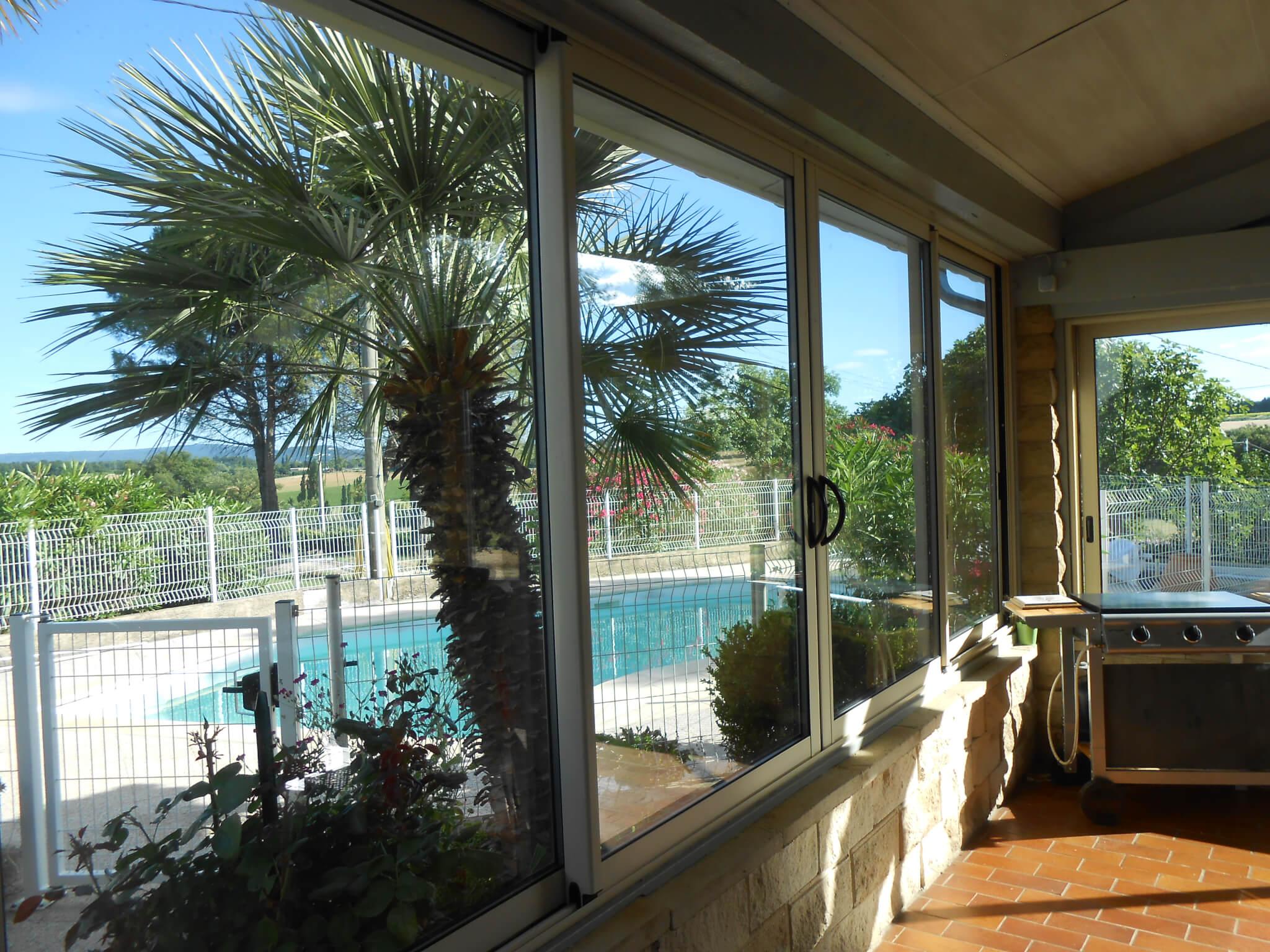 Baie vitrée piscine Pierrelatte