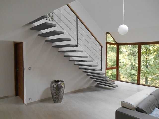 Escalier suspendu Le Teil