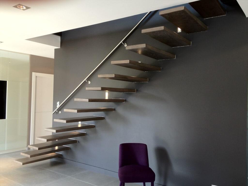 Escalier suspendu moderne Aubenas