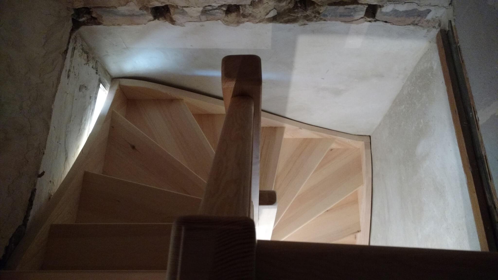 Escalier tour Pierrelatte