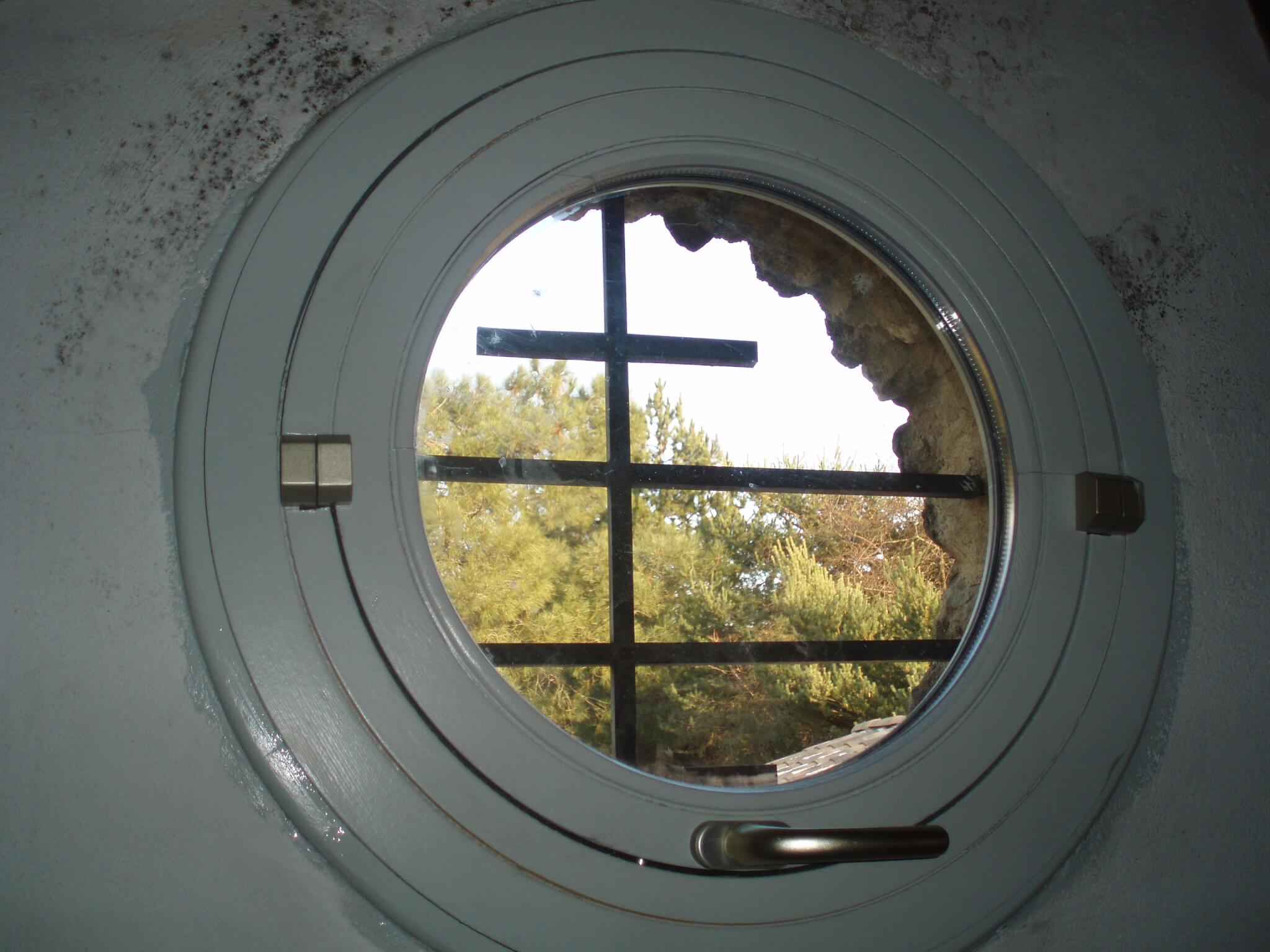 Vasistas fenêtre hublot Chomérac